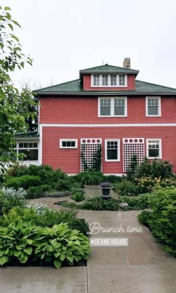 Calgary - Deane House
